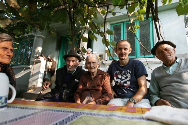 Dobrița, Unchiul Ion, soția Lenuța, eu, Unchiul Costică