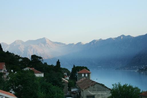 Golful Kotor, dimineața