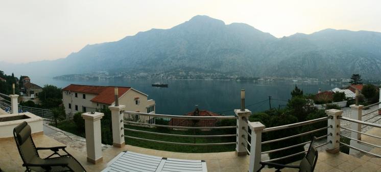 Vedere de pe terasă, Kotor Bay, -