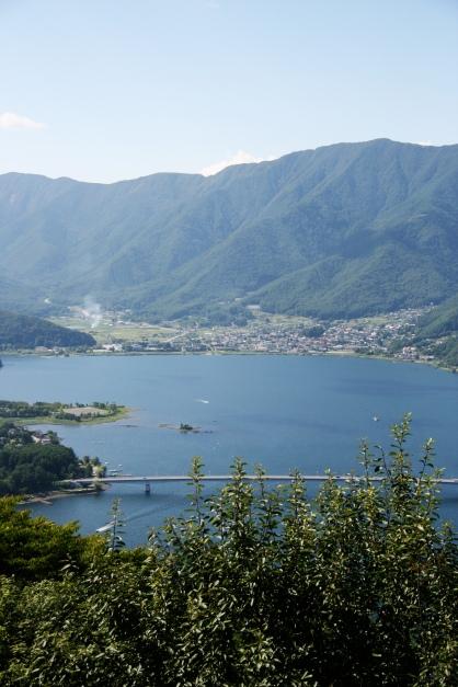 Lacul Kawaguchi, vedere de pe stația funicularului Kachikachi-yama Ropeway